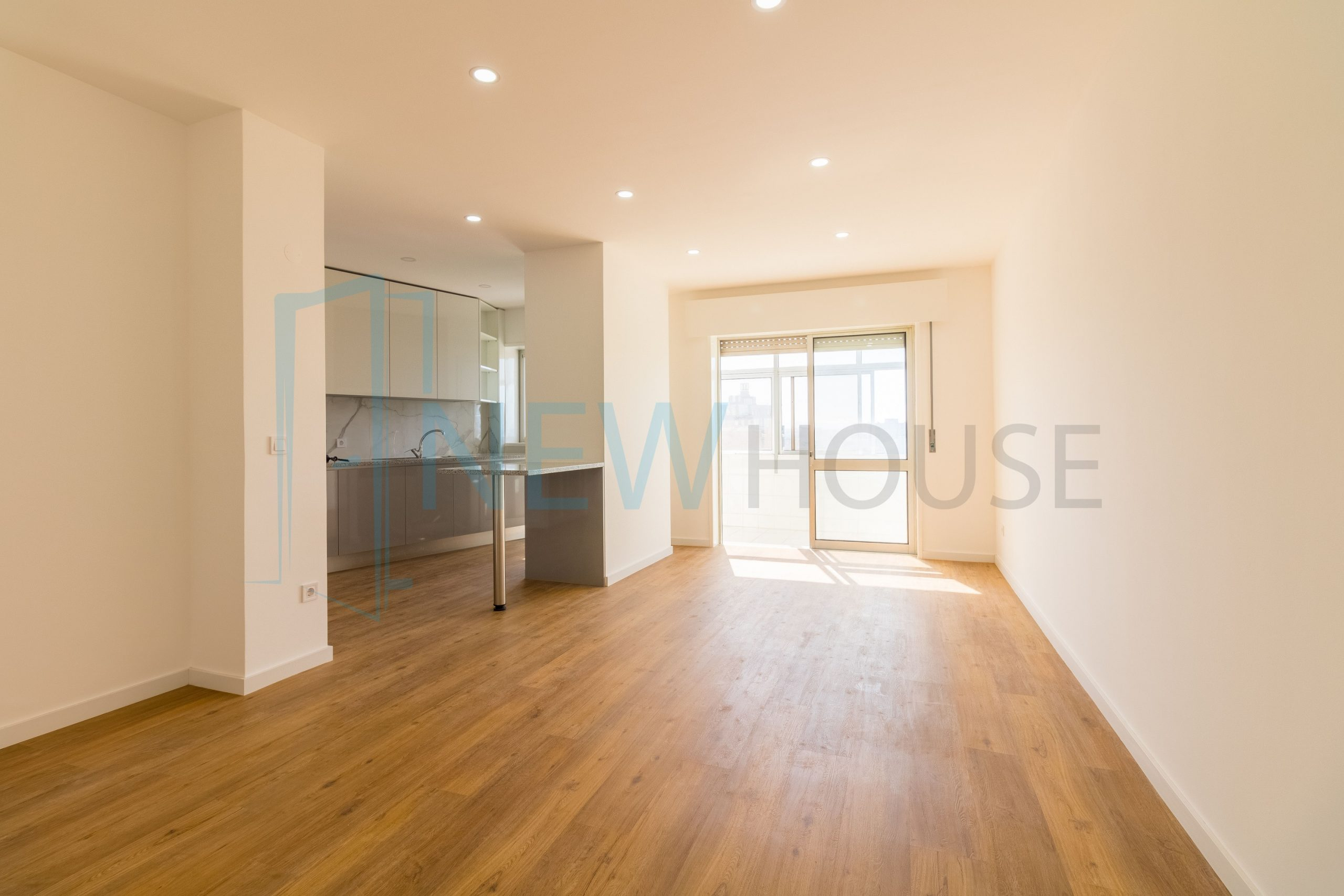 Apartamento T3+1 remodelado no centro de Gondomar